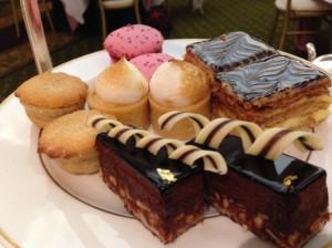 HarrodsTea_Cakes