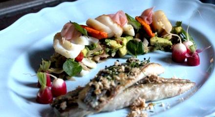 Seafood with avocado and ginger salsa