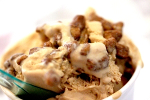 salted caramel ice cream with candied pistactios