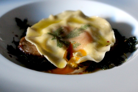 Uova da Raviolo, ravioli with egg inside