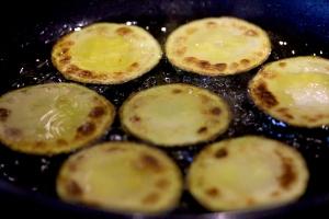 pan frying zucchini