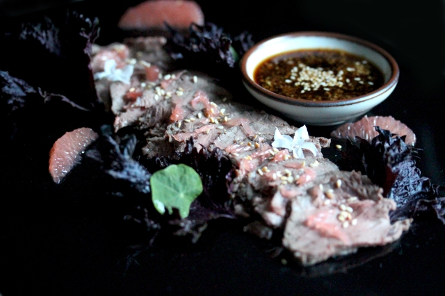 loin of venison with dipping sauce