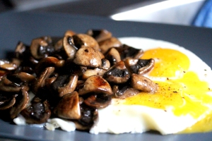 egg and mushrooms