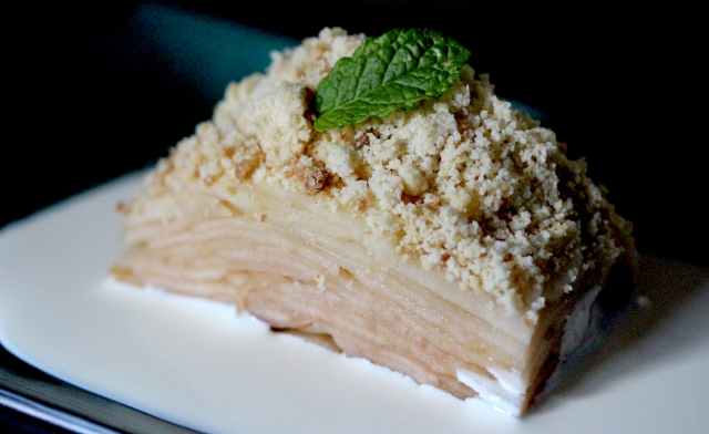 slow baked apple tart with almond crumble