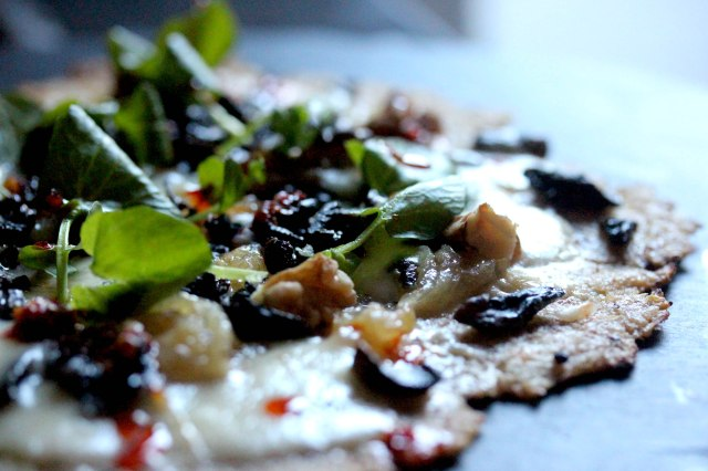 cauliflower pizza with mushrooms and cheese