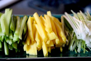 shredded spring onion cucumber and mango