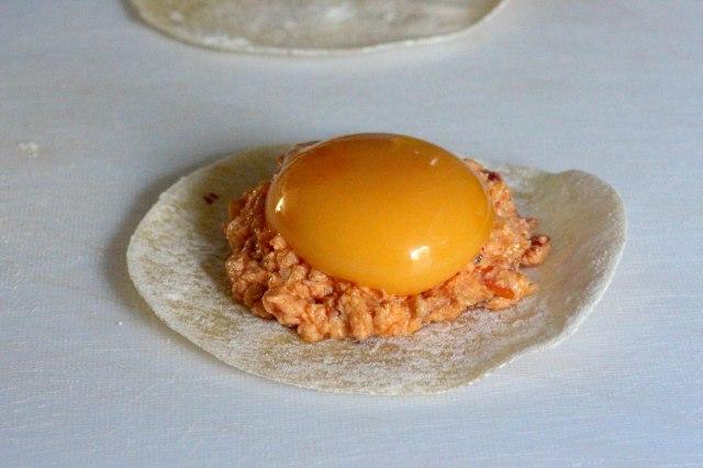 uova da ravioli, egg yolk ravioli