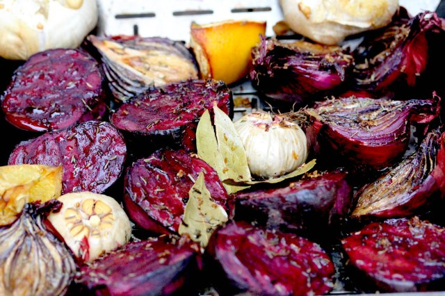 Smoked beetroot, garlic and red onions