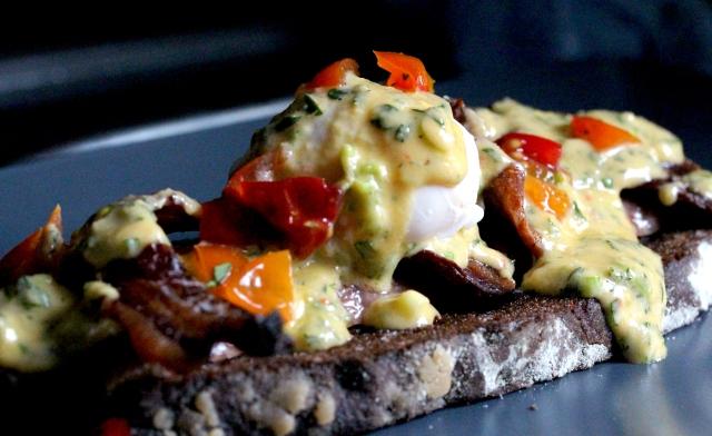 eggs benedict with hotsauce hollandiase