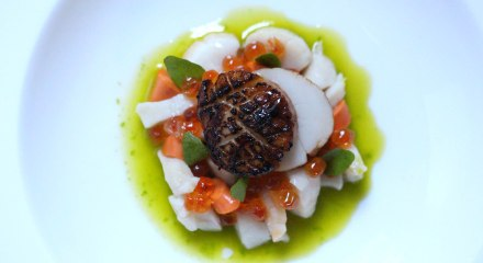 Scallops with Salmon Caviar and Watercress