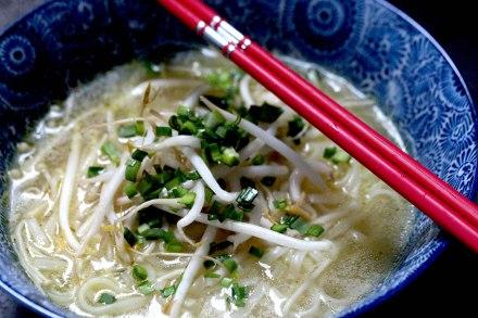 Enoki mushroom and rice Noodle Soup