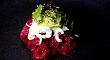 Beetroot sauce noodles & burrata