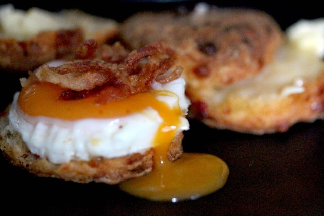 buttermilkm biscuit and egg